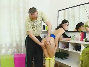 Cutie Opens Wide And His Dick Plunges Into Her Teen Pussy