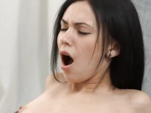 Riding A Cock Makes Her Moaning Loudly