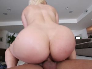 Fit Beauty Sucks And Rides Him For A Facial