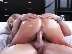 Big Cock Creampie Dumped Into Her Pornstar Pussy