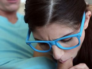 Nerdy Chick With Big Blue Glasses Will Eat His Cock